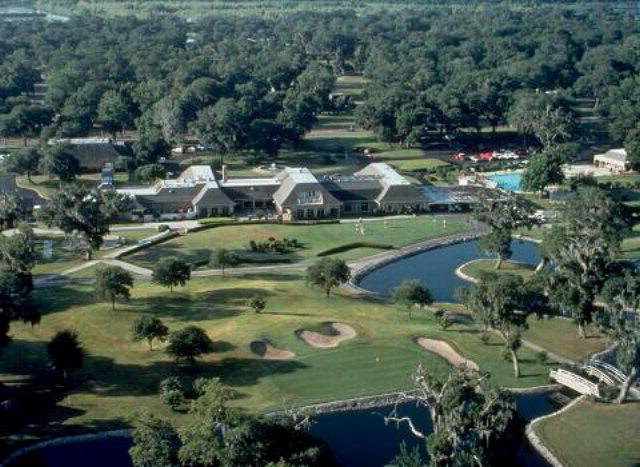 Columbia Lakes: Se Vende Golf Course en West Columbia