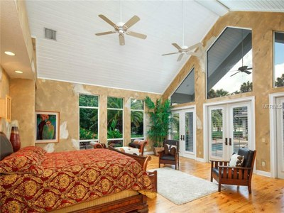 Lakefront Luxury Estate for Sale in Orlando Florida - Bedroom