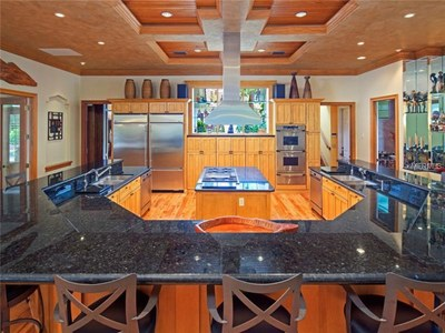 Lakefront Luxury Estate for Sale in Orlando Florida - Gourmet Kitchen