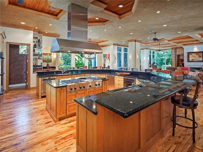 Lakefront Luxury Estate for Sale in Orlando Florida - Kitchen Island