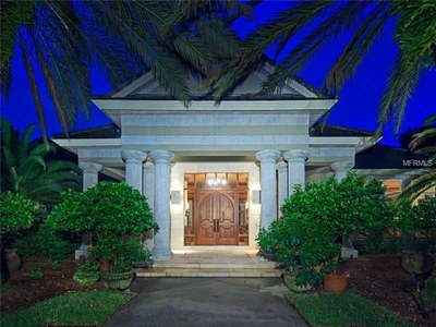 Lakefront Luxury Estate for Sale in Orlando Florida - Entrance