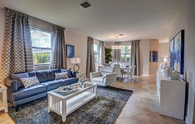 Starboard living room 2