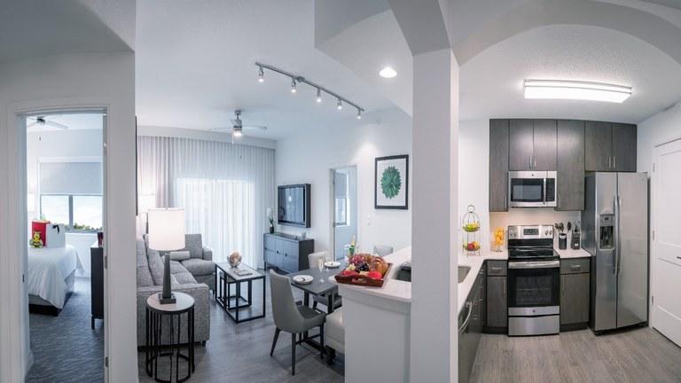 The Sterling - Birch: Se Vende Apartamento en Zona Rural y Frente al Lago en Orlando