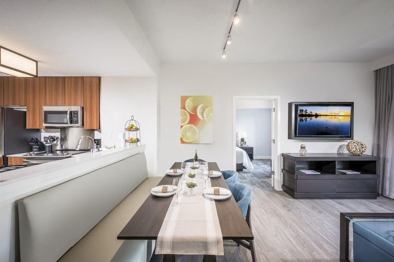The Marquis - Palm: Se Vende Apartamento en Zona Rural y Frente al Lago en Orlando